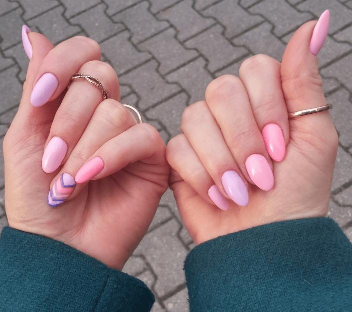 rozowe paznokcie tipsy manicure