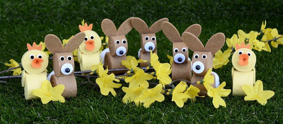 wielkanoc-zajaczek-kurczak-żonkile-króliczki