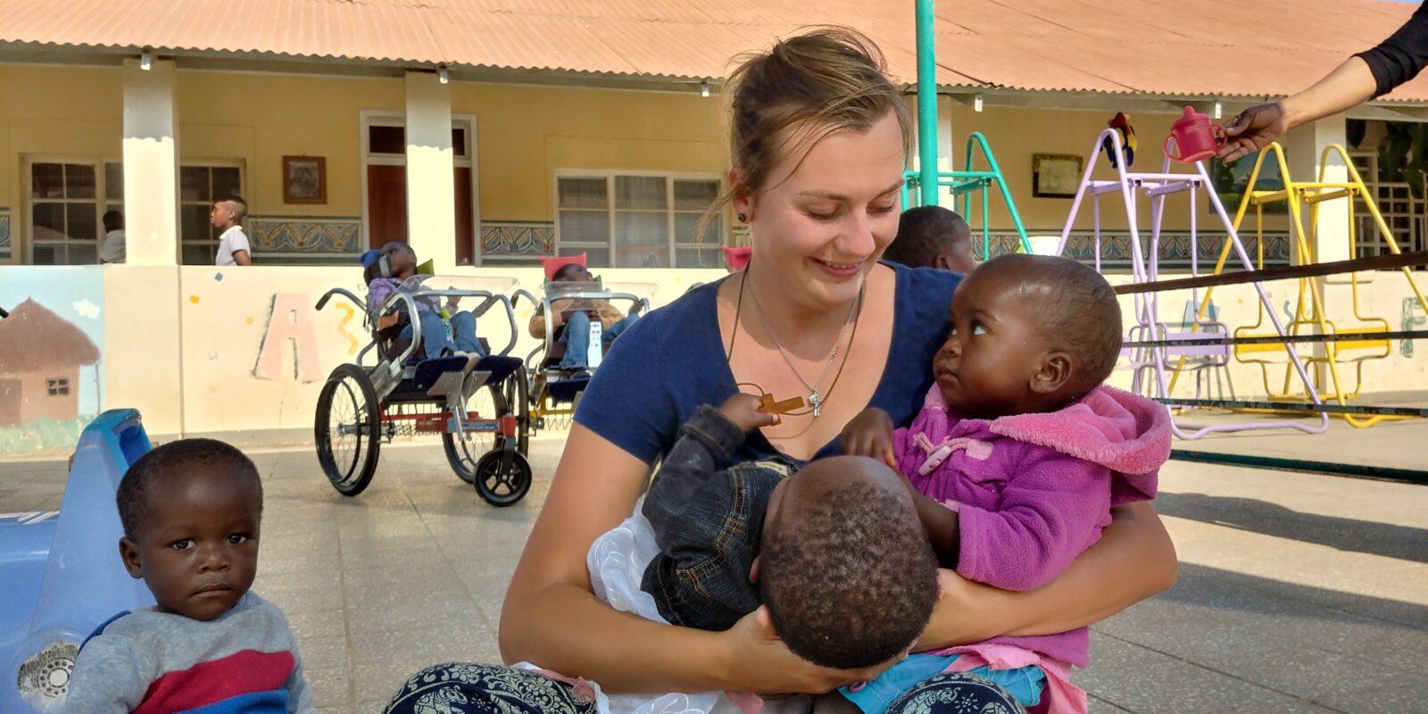 Projekt Zambia Toruń misje wolontariat dzieci Afryka pomoc mama