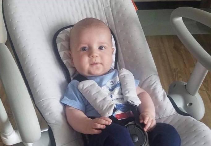 Dziecko chłopiec niemowlak noworodek Serduszko dla Niedźwiadka Bruno Samborski