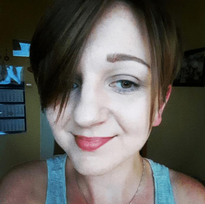 Marta Sieńska uBoga blogerka dziewczyna włosy usta
