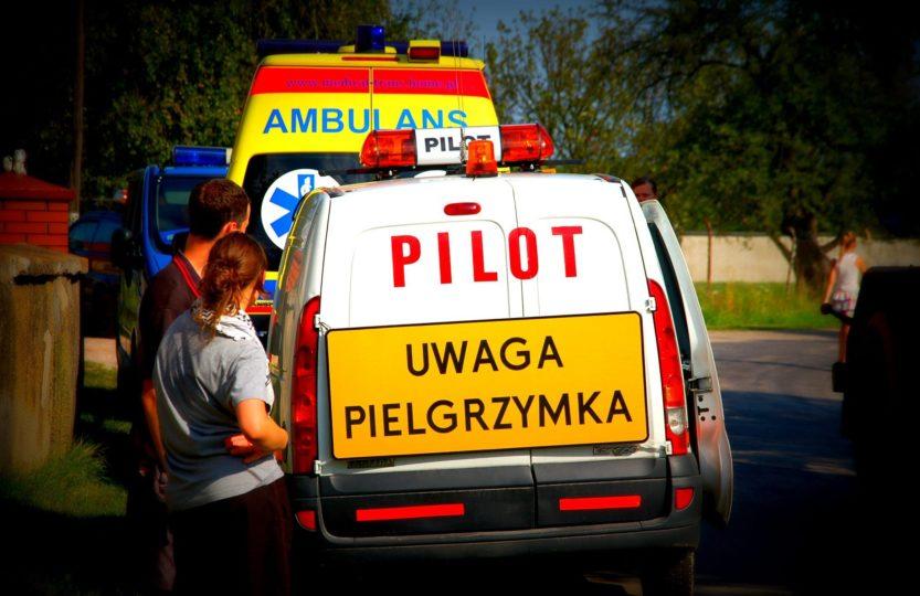 Pielgrzymka WAPM pielgrzymi pątnicy pilot karetka ambulans